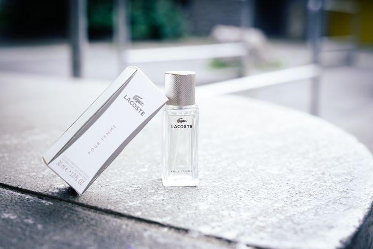 Lacoste Pour Femme – Ein femininer Duft für jeden Tag
