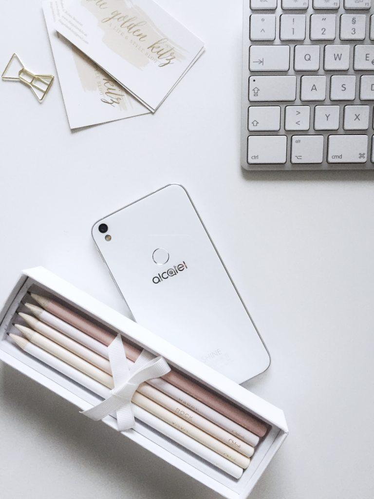 design smartphone zum kleinen preis was kann das alcatel shine lite the golden kitz. Black Bedroom Furniture Sets. Home Design Ideas