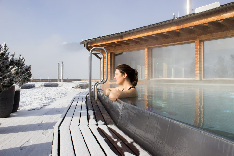 Ruhe, Natur und Yoga im Holzhotel Forsthofalm in Leogang