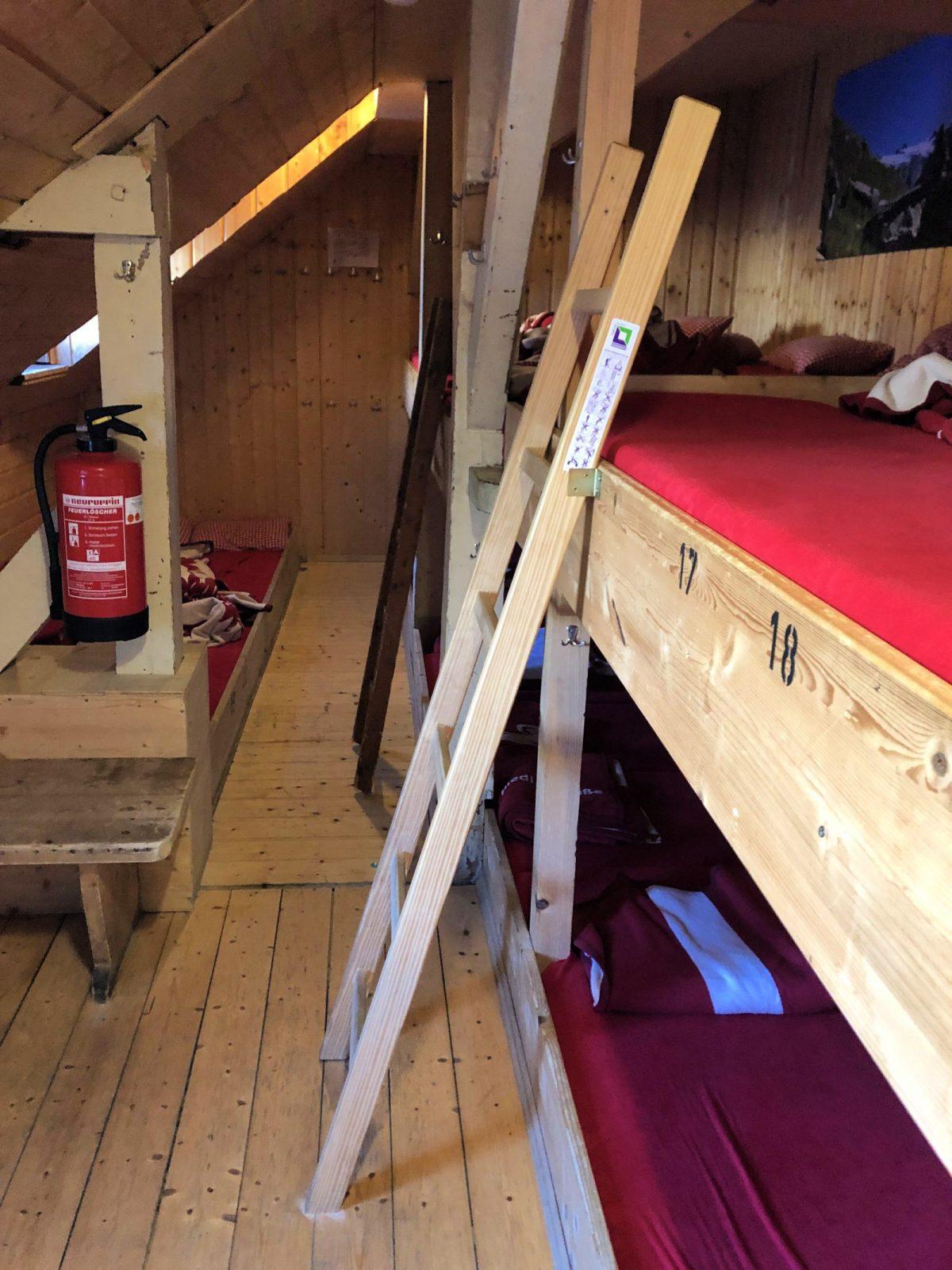 Bettenlager Knorrhuette Zugspitze