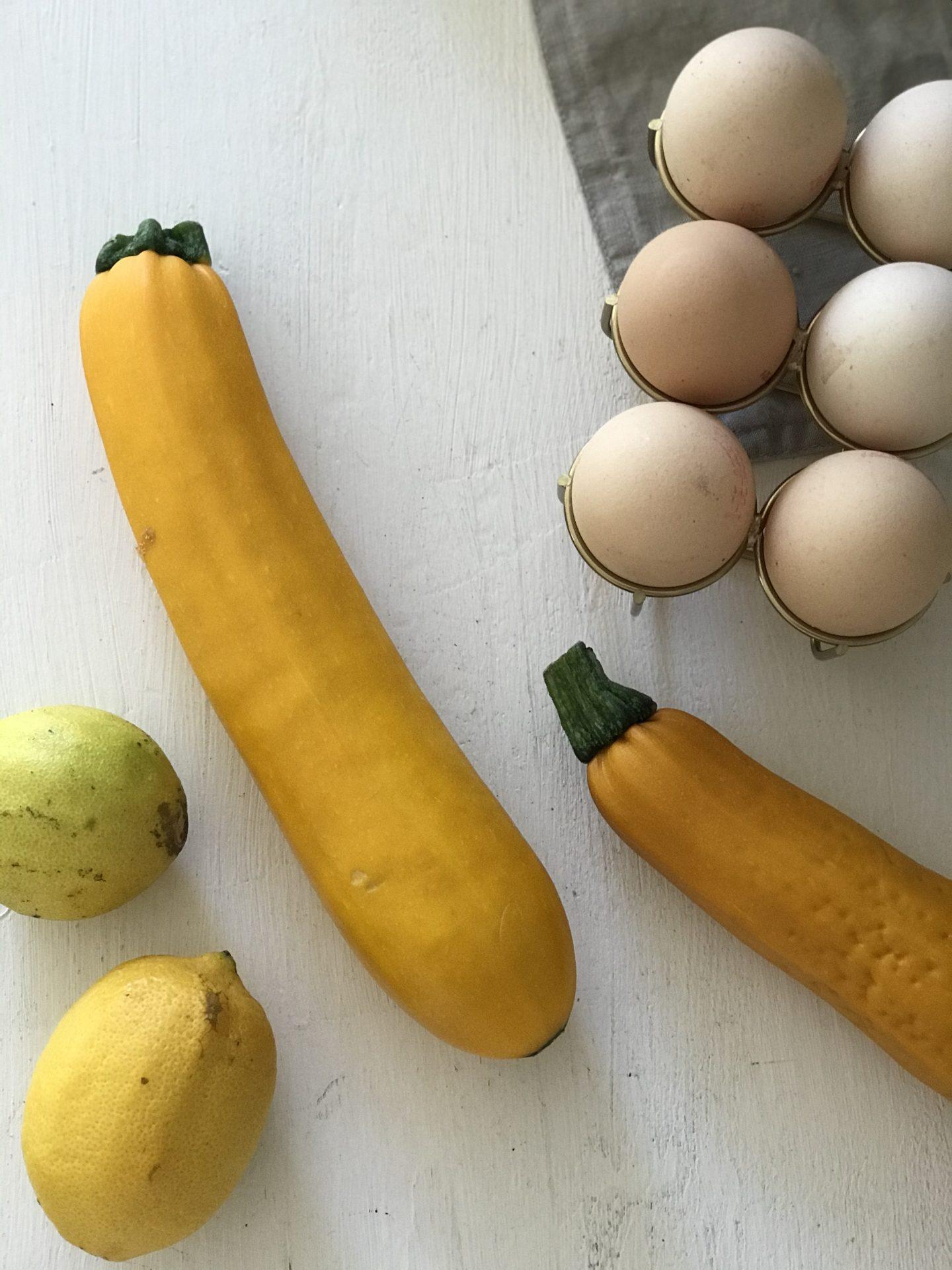 Rezept: Saftiger Zucchinikuchen mit Zitrone